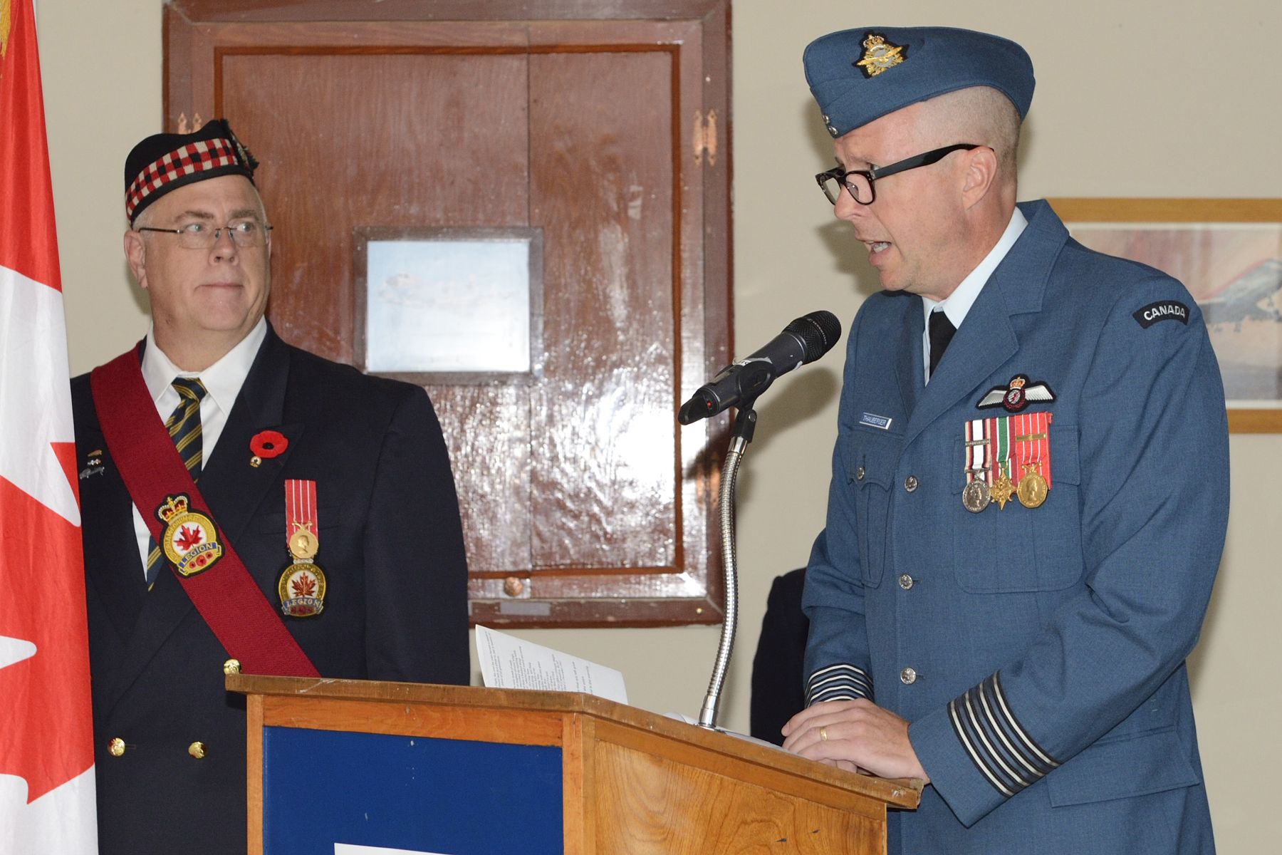 14 Wing Greenwood commander, Colonel Patrick Thauberger, delivers an address during the 2016 Battle of Britain parade held in the 107 Royal Canadian Air Force Association building in Greenwood, Nova Scotia, on September 18, 2016. PHOTO: Corporal Daniel Salisbury, GD2016-0549-03