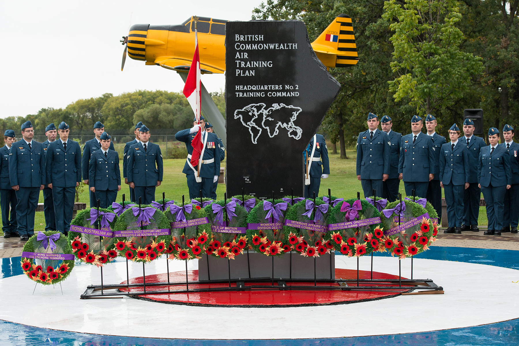 17 Wing Winnipeg, Manitoba, members, families, friends and guests marked the 76th anniversary of the Battle of Britain on September 18, 2016, with a parade and ceremony held at the Garden of Memories in Winnipeg. PHOTO: Sergeant Daren Kraus, FW2016-0005-42