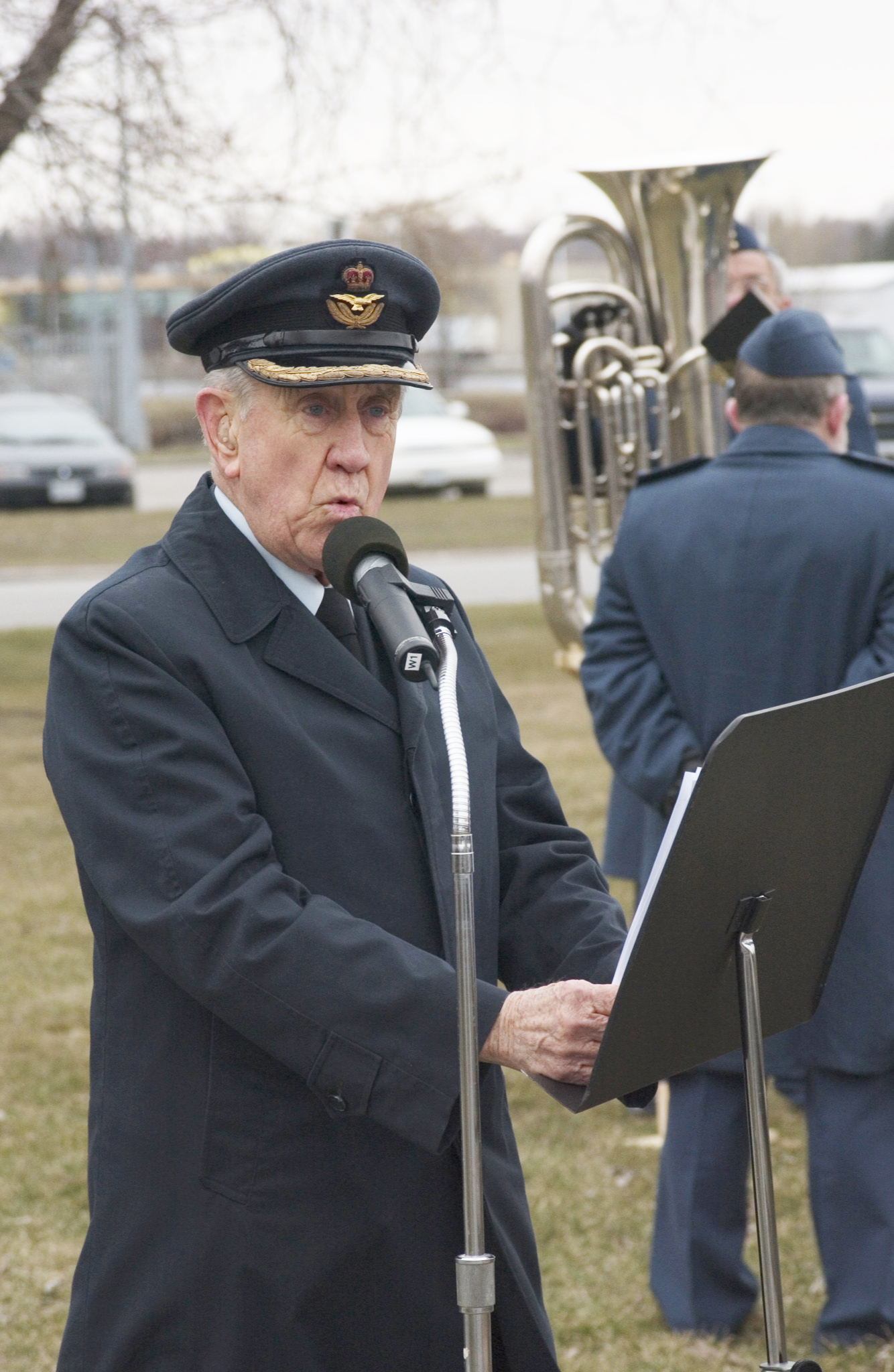 During the Air Force's 80th Anniversary Parade held in Trenton, Ontario's Centennial Park on April 1, 2004, Master of Ceremonies RCAF Colonel (retired) Cy Yarnell talks about when the Air Force was formed in Canada. PHOTO: Corporal Gayle Wilson, TN2004-0213-08d