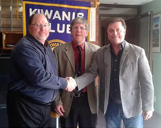 Nipissing and North Bay Kiwanis Club member and dinner committee chair Chris Mayne (left), and Kiwanis Club president Ralph Celentano (centre) congratulate 2017 North Bay Kiwanis Citizen of the Year Honorary Colonel Tom Hedican. PHOTO: Facebook.
