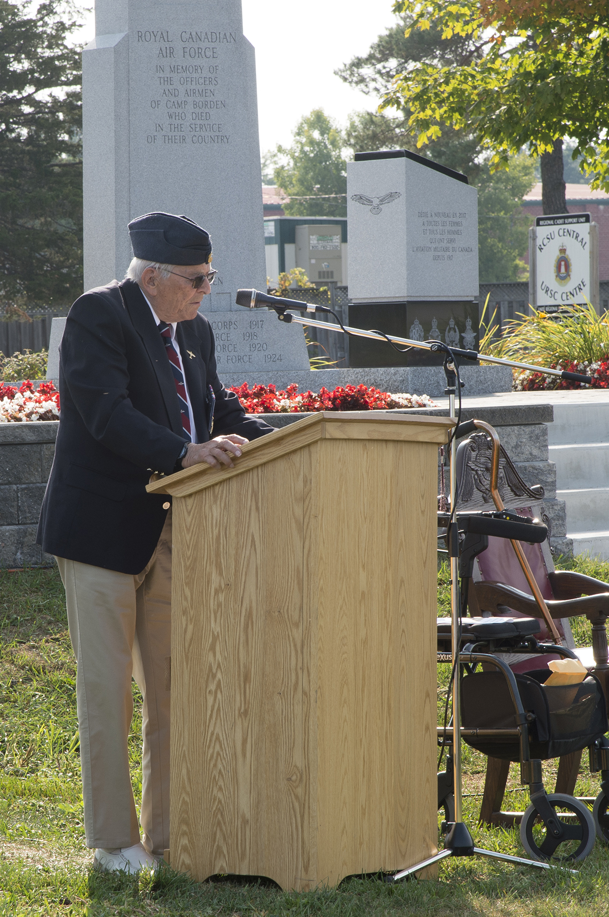 "Charles ""Chuck"" Darrow, a Second World War Spitfire pilot, reads his words of remembrance and advice at the Royal Canadian Air Force Memorial at 16 Wing/Canadian Forces Base Borden, Ontario, during the September 13, 2017, ceremony marking the 77th anniversary of the Battle of Britain. PHOTO: Ordinary Seaman Larissa Halldorson, BM05-2017-0297-02"