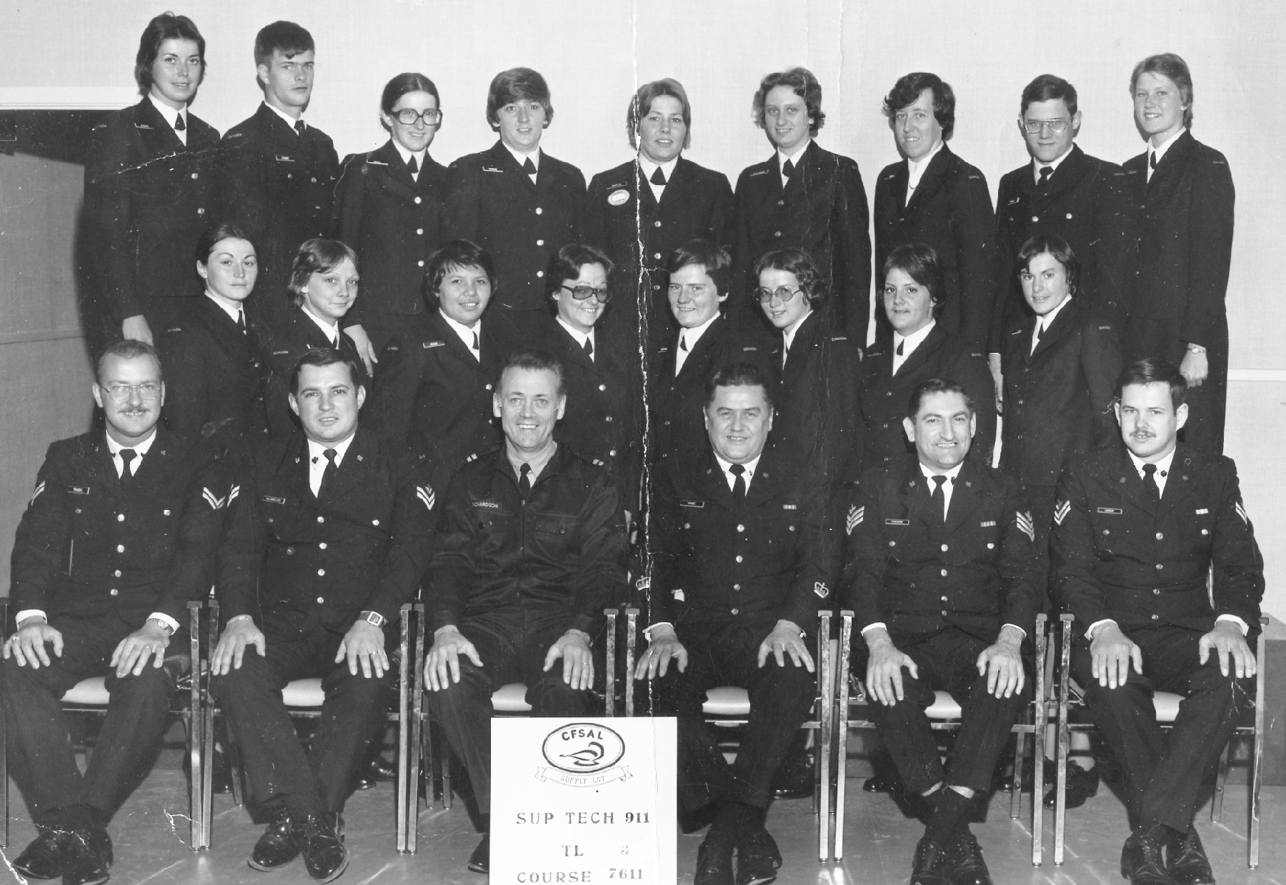 Private Cathy Coombs (top row, third from the left) with members of her supply technician course at Borden, Ontario, in May 1976. PHOTO: Submitted