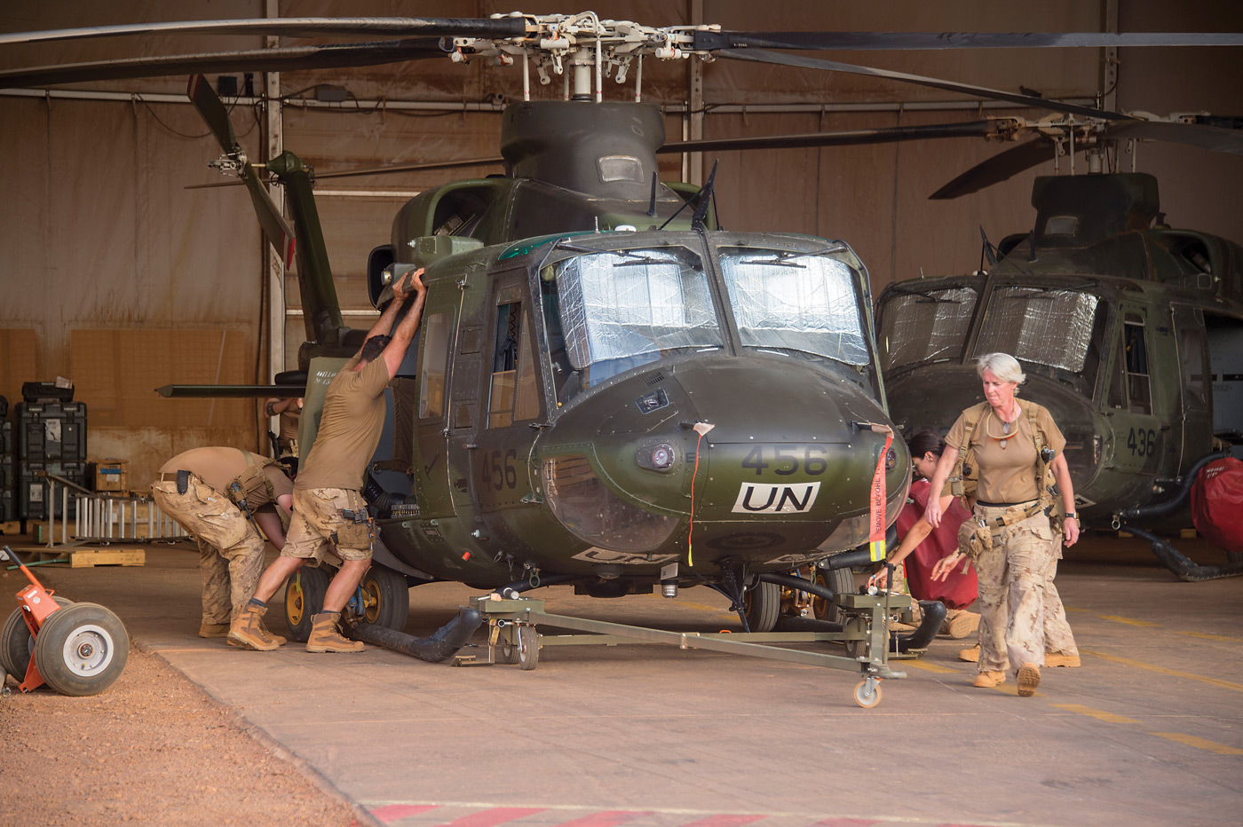 Maintenance was performed around the clock in Mali. PHOTO: Corporal François Charest, TM02-2019-0048-0029