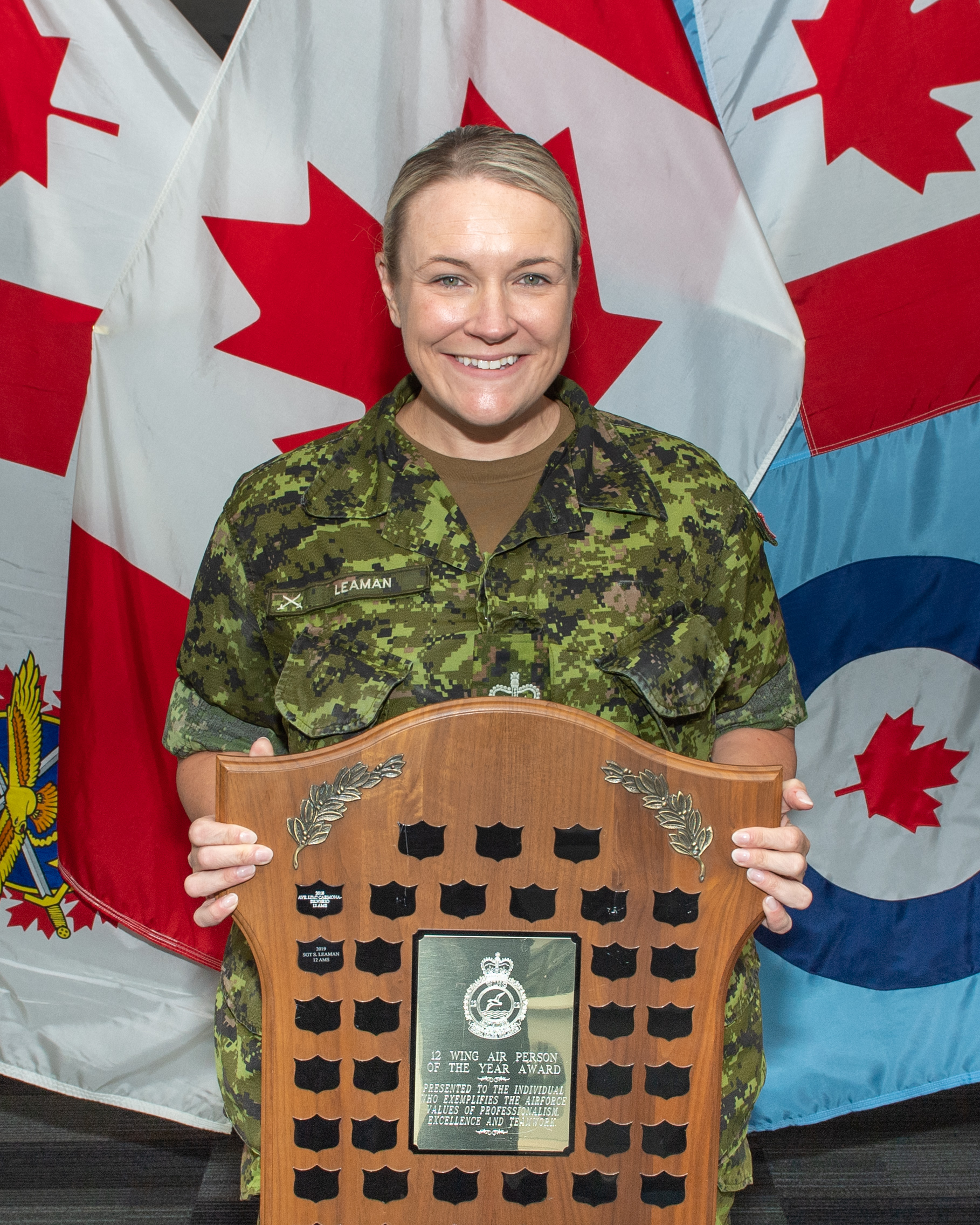 Warrant Officer Sandra Leaman, a supply technician with 12 Air Maintenance Squadron, at 12 Wing Shearwater, won the 12 Wing Shearwater Air Person of the Year Award on July 10, 2020. PHOTO: Sailor First Class Laurance Clarke